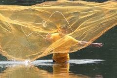 Shrimp-Fisherman-Casting-the-Net-M271